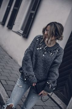 fall street style 2017, chunky sweater, sequins, casual