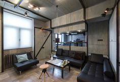 Living space with a twist on Plywood - Apartment / Alexey Rozenberg