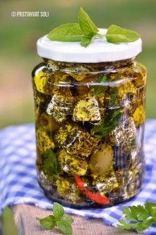 Feta sa začinima u maslinovom ulju - Prstohvat soli
