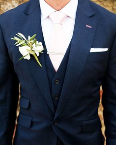 The Most Popular Groom Suits ★ groom suits navy with tie jacket and boutonniere m and j photography Blue Groomsmen Suits, Groom And Groomsmen, Groom Suits, Groomsmen Outfits, Bride Groom, Black Suit Wedding, Wedding Suits, Wedding Blue, Wedding Dress