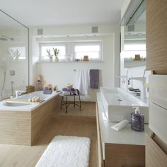 Wooden bathrooms can be found at Villeroy & Boch Nature Side.fliesen … - Decorations for Home Basement Inspiration, Bathroom Inspiration, My Ideal Home, Amazing Bathrooms, Interiores Design, Modern Bathroom, White Bathroom, Home And Living, Sweet Home