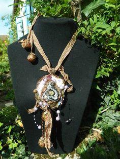 Fantástico collar con agathe amatistas de seda cristal