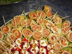 65 borrelhapjes zonder kaas | Smulweb.nl Birthday Snacks, Snacks Für Party, Birthday Recipes, Tapas, Yummy Appetizers, Appetizers For Party, Catering, Cooking For Dummies, Good Food