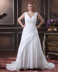 v neck Bridal Gowns for full figured brides | plus size wedding dress | www.dariuscordell.com/featured/plus-size-wedding-dresses-bridal-gowns/