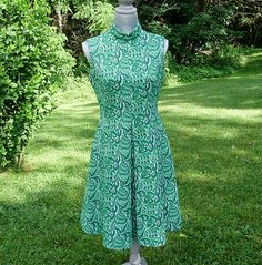 Green Paisley Dress from 1970's  Fitted bodice  Full by Pazinktum, $20.00