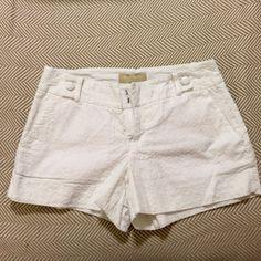 Banana Republic shorts White with stitched design. Banana Republic Shorts
