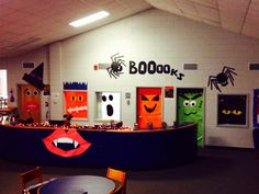 Halloween- I'm looking for a good Halloween display for the library and I really like this one!!!!!!!!