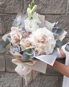 Boquette Flowers, Beautiful Bouquet Of Flowers, Luxury Flowers, Beautiful Flower Arrangements, Flower Boxes, Pretty Flowers, Planting Flowers, Floral Arrangements, Flowers Garden