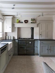 Country kitchen Colour Schemes - Farrow And Ball Kitchen Cabinets. Kitchen Inspirations, Home Decor Kitchen, Modern Country Kitchens, Kitchen Remodel, Kitchen Colour Schemes, New Kitchen, Country Kitchen Designs, Home Kitchens, Country Kitchen Colors