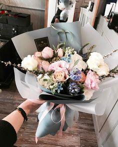 """좋아요 482개, 댓글 2개 - Instagram의 벨르플라워, Florist 이승애(@bellee_flower)님: """". 하늘색을 좋아하시는 고객님꼬 . . #어버이날선물 #어버이날 #여자친구선물 #기념일선물 #예쁜꽃집 #벨르플라워 #꽃다발 #꽃바구니 #드라이플라워 #원데이클래스…"""""""