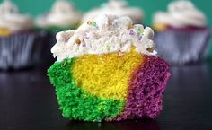Mardi Gras cupcakes with cinnamon frosting... YUM!! (Sweet Tooth)