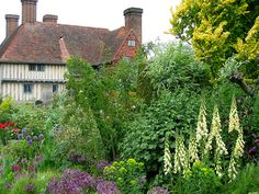 great dixter gardens england | English Garden, famous, Famous English gardens visit, Great Dixter
