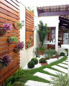Backyard Design Ideas - Diy Backyard Decor Tips Small Courtyard Gardens, Small Backyard Gardens, Backyard Garden Design, Backyard Pergola, Diy Garden Decor, Small Gardens, Backyard Landscaping, Landscaping Ideas, Small Patio