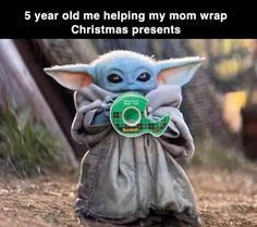 Funny Baby Yoda Christmas Memes Funny Baby Yoda Wrapping Christmas Presents Meme Star Wars Meme, Star Wars Witze, Star Wars Baby, Funny Shit, Stupid Funny Memes, Funny Relatable Memes, Hilarious, Funniest Memes, Memes Humor