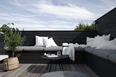 DIY outdoor sofa / bench