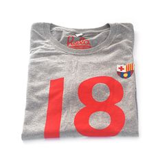 1899 FC Barcelona T-Shirt Foundation  We are Cules. The biggest crowd of the world. No matter our skin, the same flag unites us. Visca Barça!  Buy it here: http://teesforfans.com/product/1899-fc-barcelona-t-shirt/