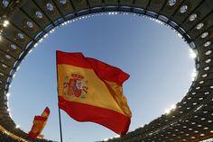 Spain's national flag // Euro 2012 Euro 2012, National Flag, Real Madrid, Html, Soccer, Champs, Fotografia, Flags, Thanks