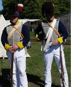 In 1813, the 19th Regiment of Light Dragoons still had the old pattern uniform hussar-style uniform with Tarleton helmets.