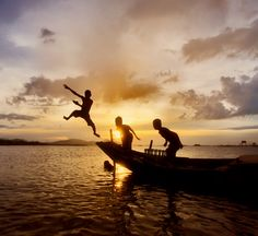 đầm Đá Bạc Sunset ~ Vietnam http://viaggi.asiatica.com/