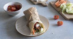 La ricetta della piadina greca, la veggie wrap, con salsa tzatziki fatta in…