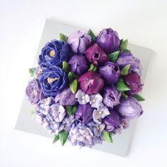 Torte ricoperte di fiori per celebrare l'arrivo della primavera. Le incantevoli foto