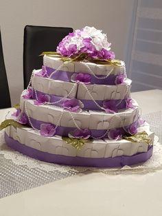 Selbst gebastelte Torte aus Papier. XXL Torte. Gefüllt mit Bonbons und Geld