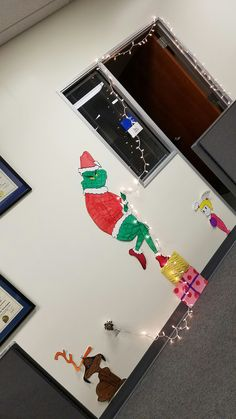 Nosey Grinch Cubicle Decoration Christmas Cubicle