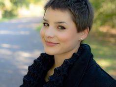 great hairstyle 25 Wonderful Short Hairstyles For Fat Faces