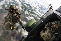 French Paratrooper, jumps heli.