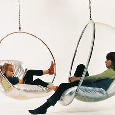 How to Hang a Ball Chair Often cited as the defining image of space age industrial design, the Bubble Chair--by Eero Aarnio--is credited with pioneering the use of plastics in modern furniture design Funky Furniture, Unique Furniture, Home Furniture, Furniture Design, Street Furniture, Furniture Stores, Lucite Furniture, Recycled Furniture, Hanging Furniture
