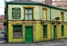 Articles - Top - Top 5 hidden gems - Visit Manchester - The official tourism website for Greater Manchester - Peveril of the Peak pub Manchester Travel, Visit Manchester, Great Places, Places To Go, Old Pub, Flatiron Building, Tourism Website, Northern England, Listed Building