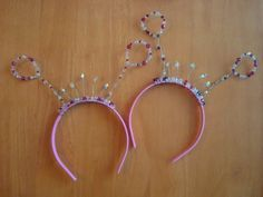 tiarra/antena headband. cant get to the tute but should be easy to do with wire and beads