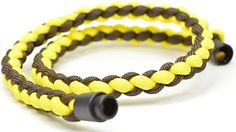 You'll discover over 171 paracord projects in this post. From survival gear and weapons to defend yourself to paracord projects just for the fun of it. Paracord Braids, Paracord Knots, Paracord Keychain, Paracord Bracelets, Paracord Tutorial, Bracelet Tutorial, Paracord Ideas, Braided Necklace, Braided Bracelets