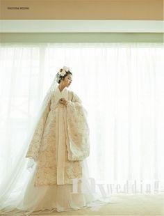 금단제 한복 Hanbok : Korean traditional clothes[dress]  | #ModernHanbok #wedding