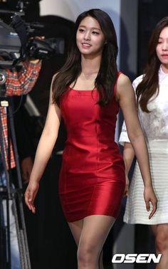 Discord - A New Way to Chat with Friends & Communities Girl's Day Yura, Girls' Generation Taeyeon, Kim Seol Hyun, Seolhyun, Kpop Fashion Outfits, Beautiful Asian Women, Sexy Asian Girls, Tight Dresses, India