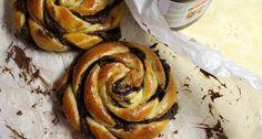 Mogyorókrémes csavart csiga recept Something Sweet, Artichoke, Nutella, Sweets, Vegetables, Ethnic Recipes, Food, Breads, Bread Rolls