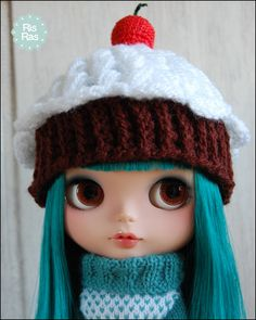 cupcake hat...so cute with this Blythe