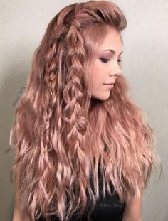Bronze Metallic Moment - Rose Gold Hair Ideas That'll Have You Dye-Ing For This Magical Color. Are you looking for rose gold hair color hairstyles? See our collection full of rose gold hair color hairstyles and get inspired! Curls Haircut, Pretty Hairstyles, Braided Hairstyles, Hairstyle Ideas, Black Hairstyles, Latest Hairstyles, Summer Hairstyles, Cabelo Rose Gold, Gold Hair Colors