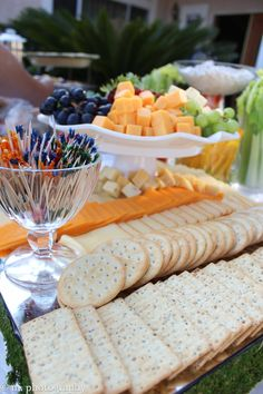 cheese and crackers display