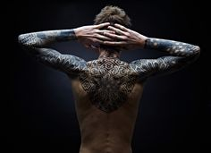 Impressive geometric tattoos by Nazareno Tubaro