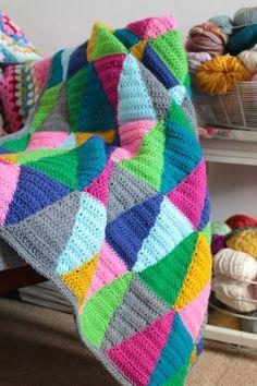 Beautiful triangle #crochet blanket by Cherry Heart