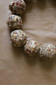 DIY Raw Energy Balls   blattgrün