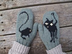 Loved the Neil Gaiman book and then the animated movie. I thought the images of the black cat, weird jumping mice and button key would look great on a pair of mittens. Coraline desktop photoshop...