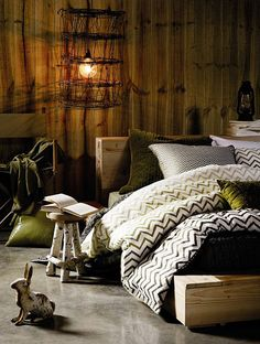 LOVE this platform-esque bed. Plus, everything about this set up looks earthy and calm.