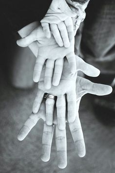 Hands Family Photo Idea. http://hative.com/fun-creative-family-photo-ideas/