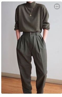 43 Simply Trends Dark Trousers For Women This Fall - fashion trends women casual shoes Winter Outfits For Work, Fall Outfits, Winter Clothes, Work Outfits, Winter Coats, Office Outfits, Office Wear, Office Heels, Outfit Work