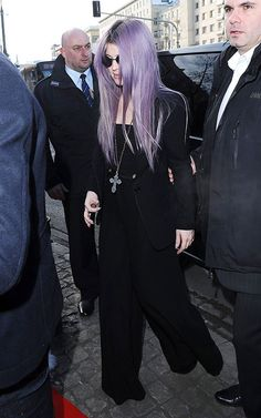 Kelly Osbourne rocks an oversize cross pendant with her lilac hair. Copy her hair with Manic Panic Mystic Heather or Lie Locks mixed with our Pastelizer!