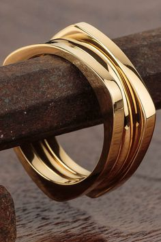 Add this stylish and sleek ring set to your man's wardrobe.