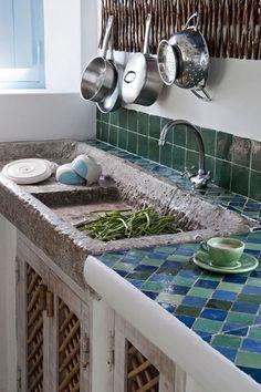 rusztikus konyhák Decor, House, Interior, Home Decor, Kitchen, House Interior, Kitchen Appliances, Rustic Kitchen, Sink