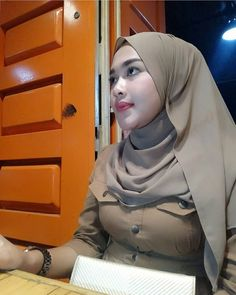 Hijaber Turki: Ayu Masinta is a Sweet Hijaber Fasion, Hijab Fashion, Women's Fashion, Adblock Plus, Funeral Expenses, Muslim Women Fashion, Hijab Chic, Beautiful Hijab, Sexy